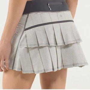 Lululemon Pacesetter Skirt (cream/gray stripe)